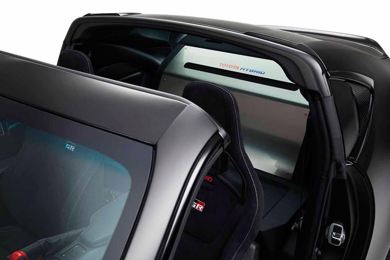 Phần mui của Toyota GR HV Sports Concept được thiết kế mở giống như Sport 800 và Supra.