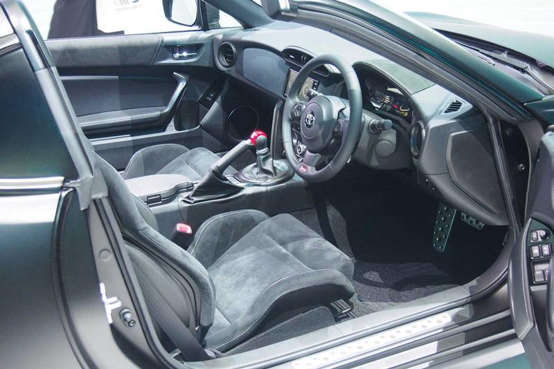 Không gian nội thất của Toyota GR HV Sports Concept khá rộng rãi.