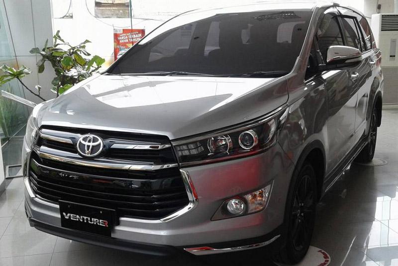 Toyota Innova Venturer sắp được bán tại Việt Nam, giá 855 triệu đồng. Theo nguồn tin riêng, Innova Venturer sẽ được Toyota Việt Nam giới thiệu và bán ra trong thời gian tới. (CHI TIẾT)