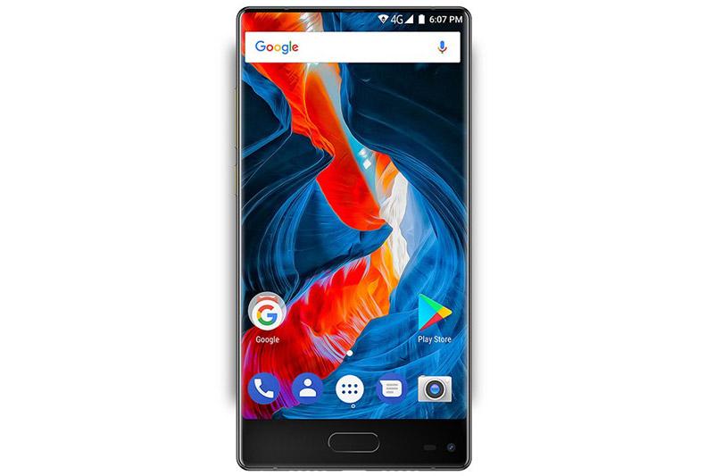 Ulefone MIX được trang bị màn hình IPS kích thước 5,5 inch, độ phân giải HD (1.280x720 pixel), mật độ điểm ảnh 267 ppi. Màn hình này chiếm 76% diện tích mặt trước.