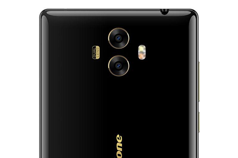 Ulefone MIX sở hữu bộ đôi camera ở mặt lưng với độ phân giải 13 MP và 5 MP, khẩu độ f/2.2, sử dụng cảm biến Sony IMX258. Hai máy ảnh này được trang bị đèn flash LED kép, hỗ trợ lấy nét tự động, chụp ảnh xoá phông, quay video Full HD.
