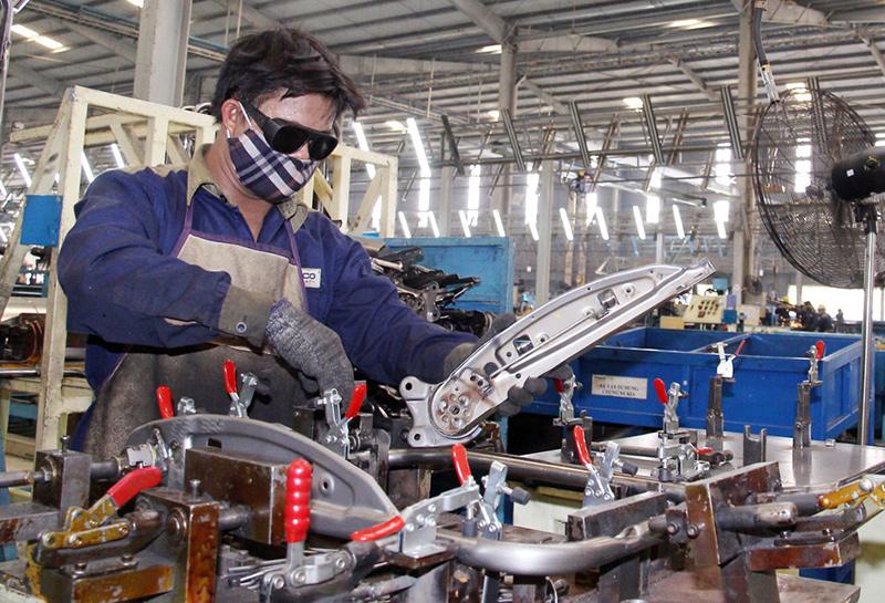 Xưởng sản xuất thiết bị cơ khí tại Bình Dương. Ảnh: Báo Đấu thầu