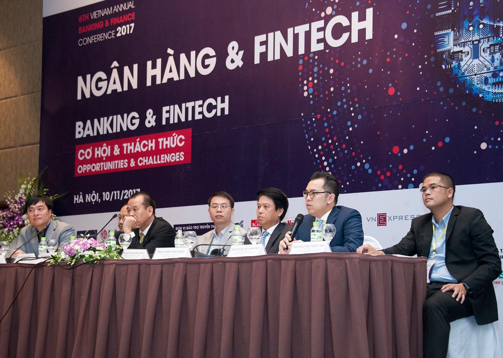 Ông Phùng Duy Khương chia sẻ về việc hợp tác giữa VietinBank và Fintech