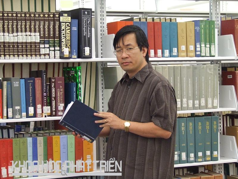 GS-TSKH Lê Văn Hoàng.