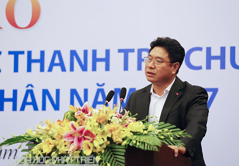 Ông Trương Hồng Dương báo cáo tại hội thảo.
