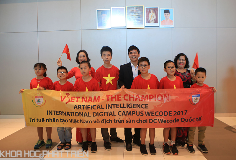 Đoàn Việt Nam vinh dự nhận được 3 giải vô địch tại cuộc thi WeCode quốc tế.