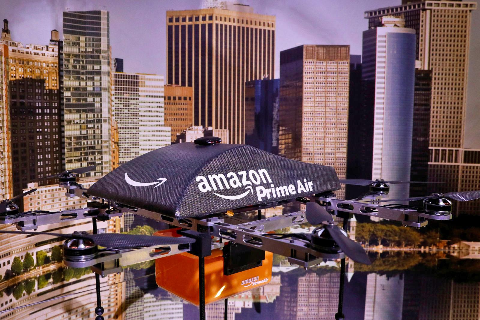 Máy bay không người lái giao hàng của Amazon có khả năng tự hủy. Ảnh: Engadget