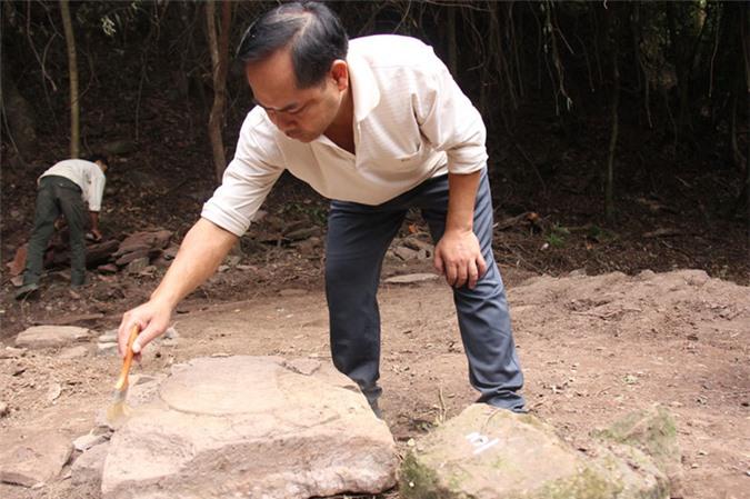 Chân tảng đá cánh sen được tìm thấy tại chùa Mã Yên.