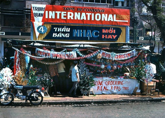 Anh cuc doc ve Giang sinh Sai Gon truoc 1975-Hinh-10