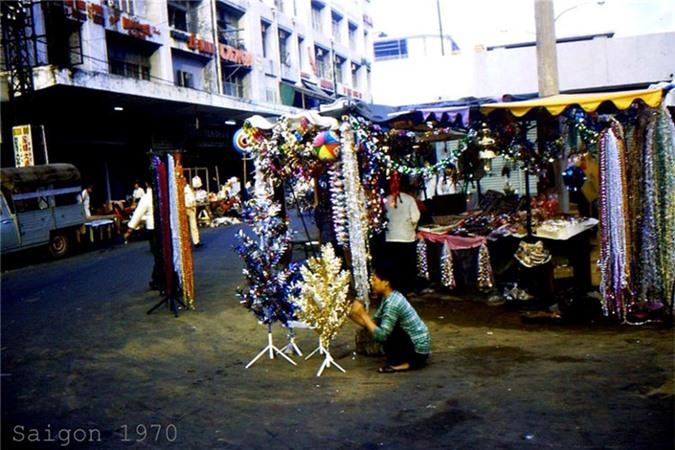 Anh cuc doc ve Giang sinh Sai Gon truoc 1975-Hinh-4
