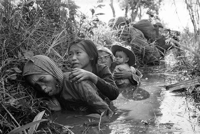 Loat anh Chien tranh Viet Nam khien nhan loai nghen long-Hinh-2