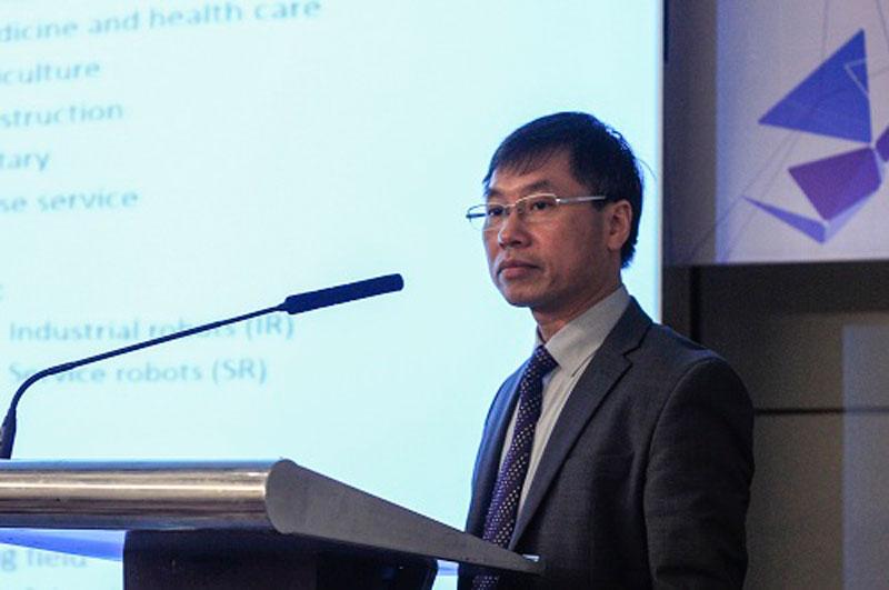 Ông Tạ Cao Minh khẳng định robot sẽ phát triển mạnh ở Việt Nam trong thời gian tới. Ảnh: D.T
