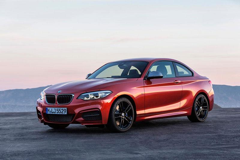 9. BMW 2 Series 2018 (giá khởi điểm: 34.800 USD).