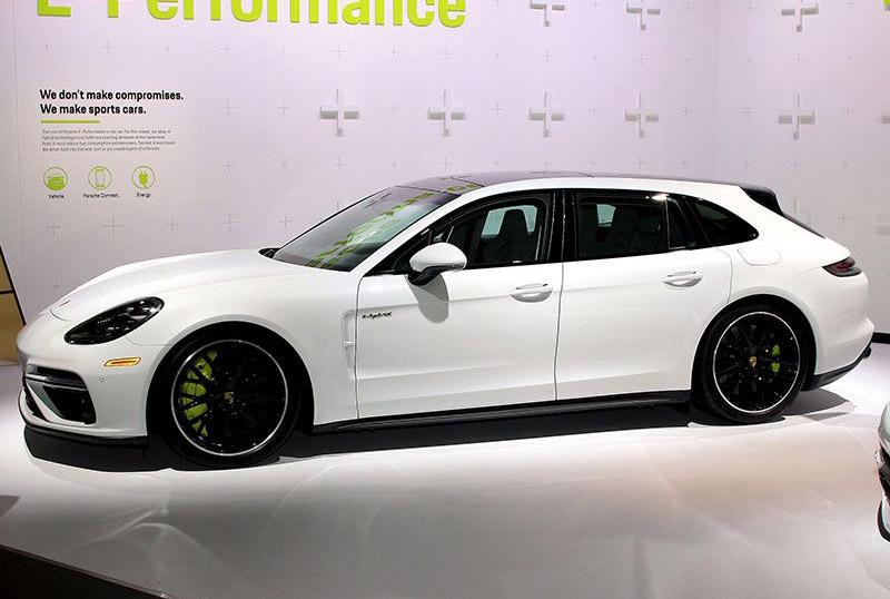 15. Porsche Panamera Wagon PHEV 2018.