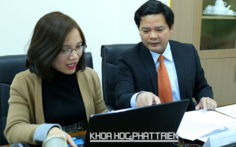 Ông Nguyễn Thế Ích - Chánh Văn phòng Chương trình Nông thôn - Miền núi tại cuộc giao lưu trực tuyến.