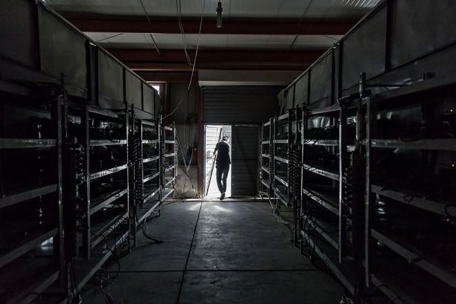 Chính sách thay đổi, dân đào bitcoin đang tháo chạy khỏi thị trường Trung Quốc.