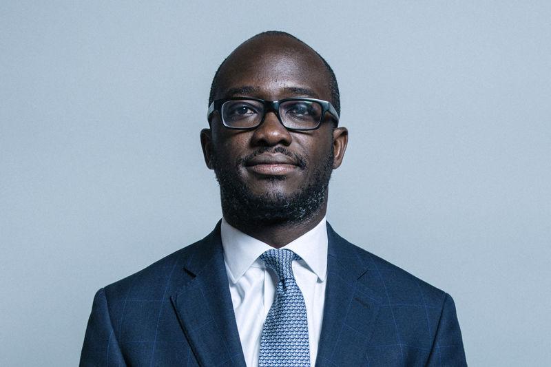Tân bộ trưởng Đại học và Khoa học Anh, ông Sam Gimah. Ảnh: Chris McAndrew/CC BY 3.0