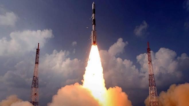 Ấn Độ phóng tên lửa đẩy mang theo 31 vệ tinh đưa lên quỹ đạo