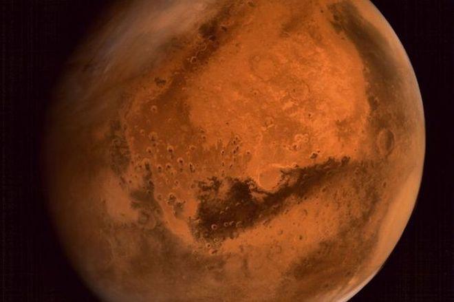 Bề mặt sao Hỏa.