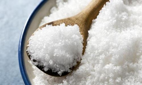 Ăn nhiều muối có thể gây ra những ảnh hưởng không tốt cho não. Ảnh: Australian.