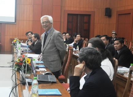 Giáo sư Chu Hảo phát biểu tại hội thảo
