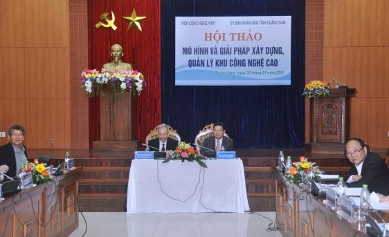 Ông Lê Văn Thanh, Phó chủ tịch UBND tỉnh Quảng Nam chủ trì buổi hội thảo