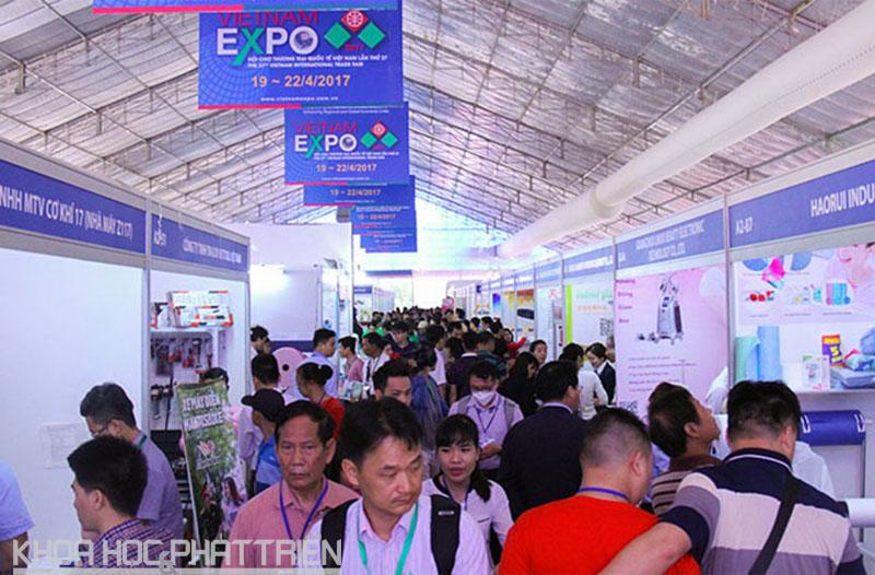 VietnamExpo lần thứ 27 tổ chức năm 2017 đã đón nhận sự tham gia của 500 doanh nghiệp trong và ngoài nước.