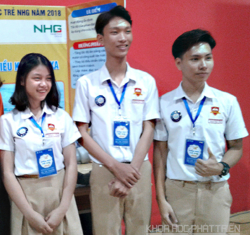 Nhóm nghiên cứu của Trường iSchool Ninh Thuận