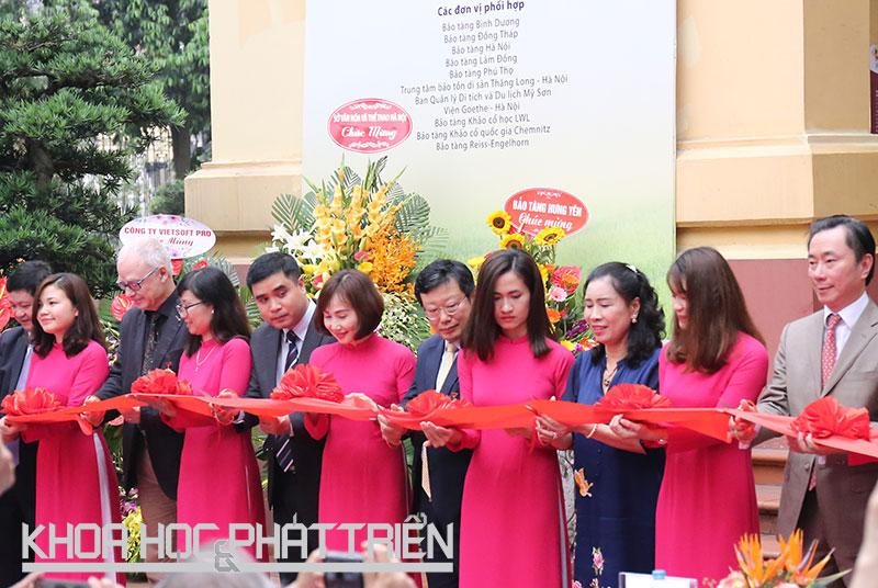 Khai mạc trưng bày báu vật Việt Nam trở về từ nước Đức