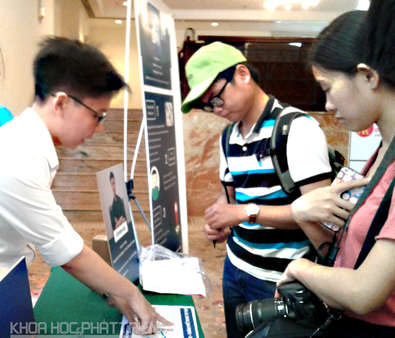 Startup chia sẻ ý tưởng về du lịch cho các đại biểu tại sự kiện