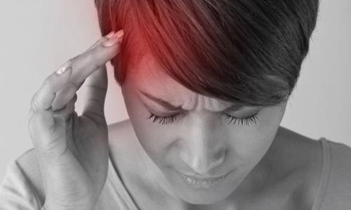 Chứng đau nửa đầu có xu hướng ảnh hưởng đến phụ nữ nhiều hơn nam giới. Ảnh: Getty.