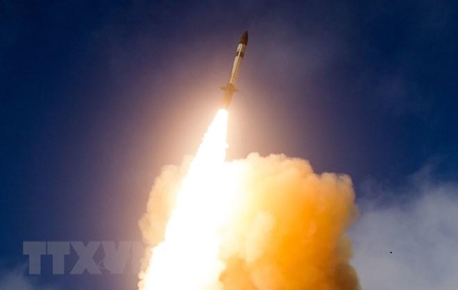 Tên lửa đánh chặn SM-3 Block IIA được phóng thử từ California, Mỹ. (Nguồn: Missile Defense Agency/TTXVN)