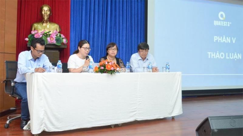 Các diễn giả giải đáp thắc mắc của đại biểu tham dự hội thảo