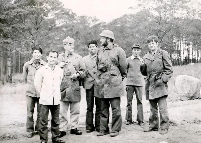 Các nhà khoa học Đức và Việt Nam khảo sát rừng Lang Biang năm 1977