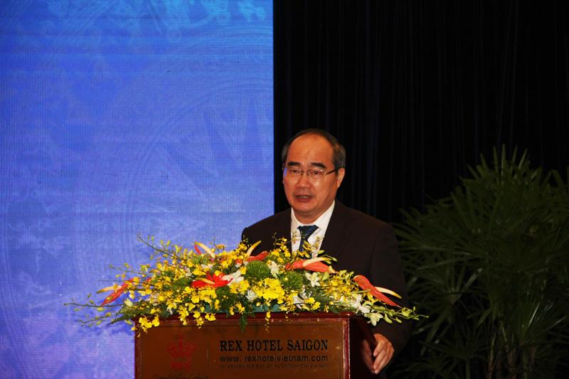 Bí thư Thành ủy TPHCM Nguyễn Thiện Nhân phát biểu khai mạc Diễn đàn