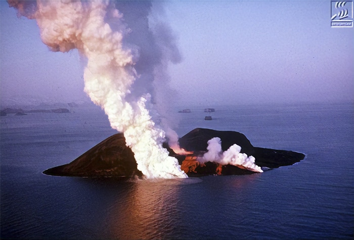 (Ảnh: The Surtsey Research Society)