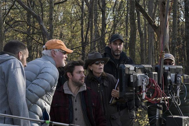 Thật khó tin khi hiệu ứng kĩ xảo khó nhất trong phim Vùng Đất Câm Lặng là lớp ngô dày 30 centimet - Ảnh 1.