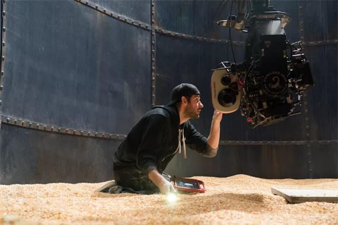 Thật khó tin khi hiệu ứng kĩ xảo khó nhất trong phim Vùng Đất Câm Lặng là lớp ngô dày 30 centimet - Ảnh 12.