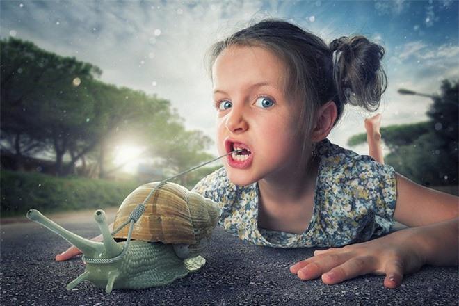 """Ông bố """"bựa nhất năm"""", chụp hình những đứa con và đưa chúng vào thế giới viễn tưởng bằng Photoshop - Ảnh 14."""