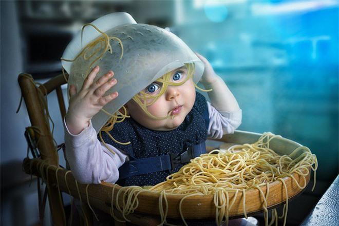 """Ông bố """"bựa nhất năm"""", chụp hình những đứa con và đưa chúng vào thế giới viễn tưởng bằng Photoshop - Ảnh 16."""