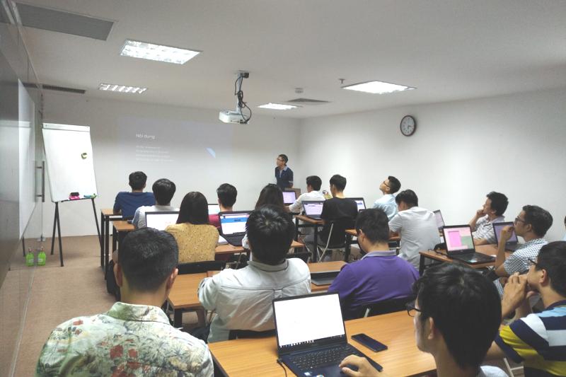 Khóa học AI Express đầu tiên của Học viên Công nghệ Sophia khai giảng hôm 1/8/2018. Ảnh: HN.
