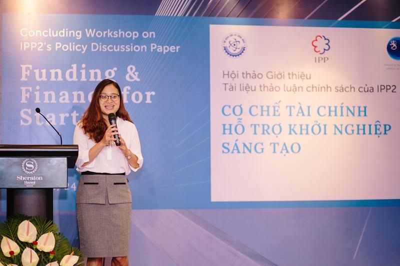 Bà Phan Hoàng Lan trình bày về các kết quả của nhóm nghiên cứu. Ảnh: Tử Thắng