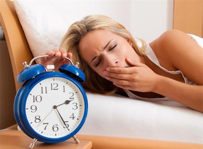 Bạn đang cảm thấy FA? Nghiên cứu cho thấy bạn chỉ đang thiếu ngủ mà thôi! - Ảnh 3.