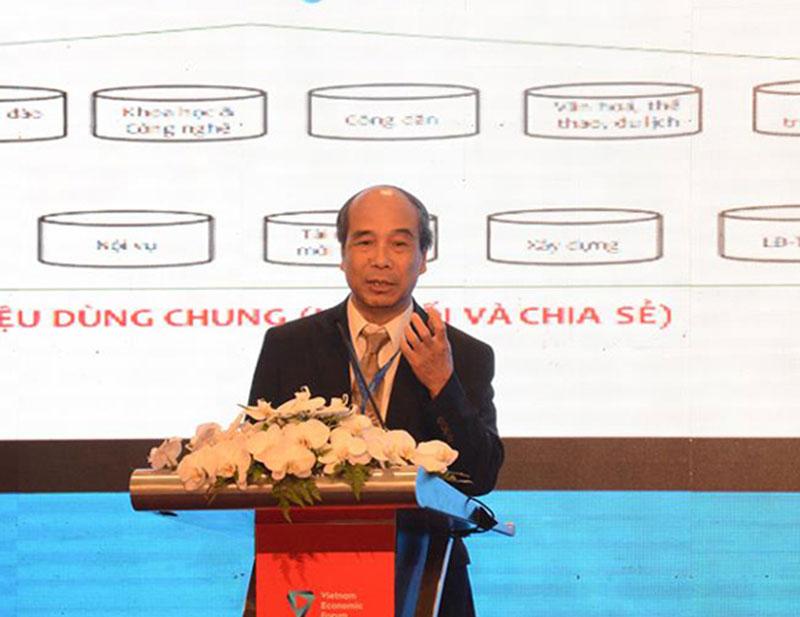 Giáo sư Hồ Tú Bảo phát biểu tại Diễn đàn ICT Summit 2018. Nguồn: Vietnamnet