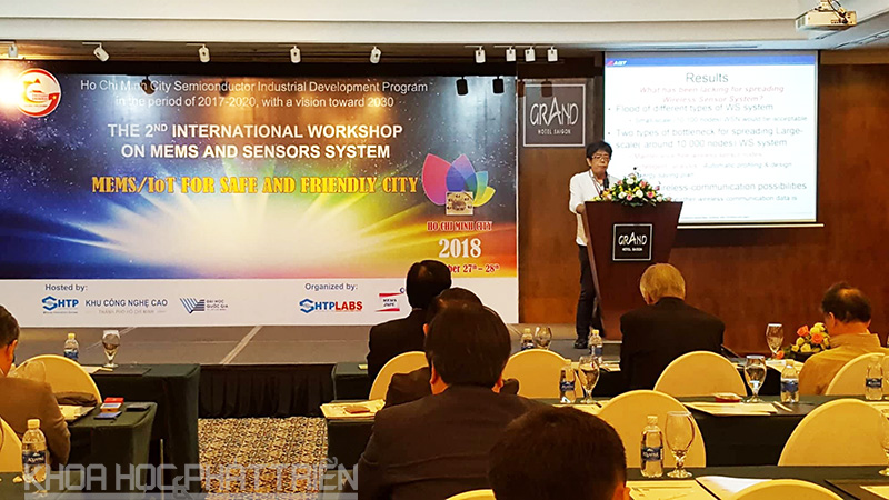 Diễn giả nước ngoài chia sẻ về công nghệ MEMS tại Hội nghị