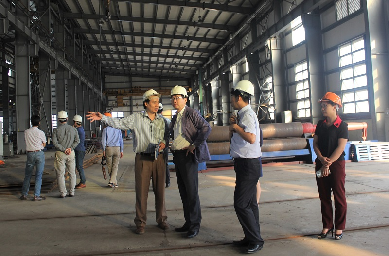 Các nhà khoa học Hàn Quốc và Việt Nam khảo sát khối công nghiệp cho VKIST vào năm 2017.