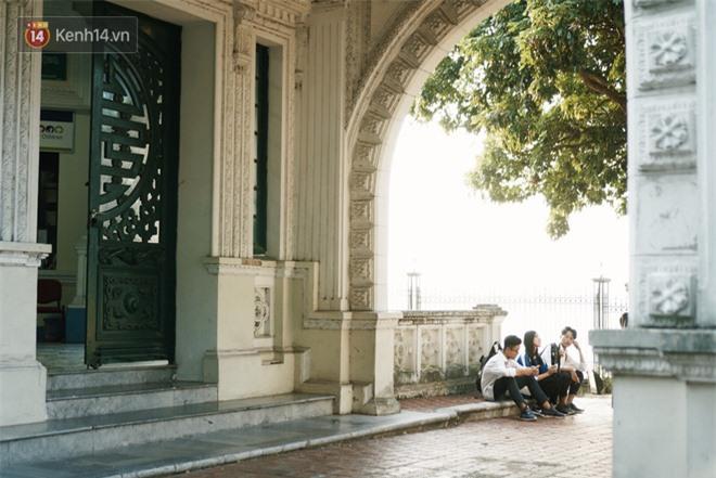 Ngôi trường lâu đời nhất Hà Nội - 110 năm qua vẫn vẹn nguyên vẻ đẹp yên bình, rêu phong và thách thức thời gian - Ảnh 11.