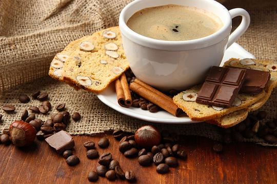 Cà phê, chocolate sẽ phát huy tác dụng kỳ diệu khi kết hợp với món ăn giàu kẽm như thịt đỏ hay ngũ cốc - ảnh minh họa từ Internet