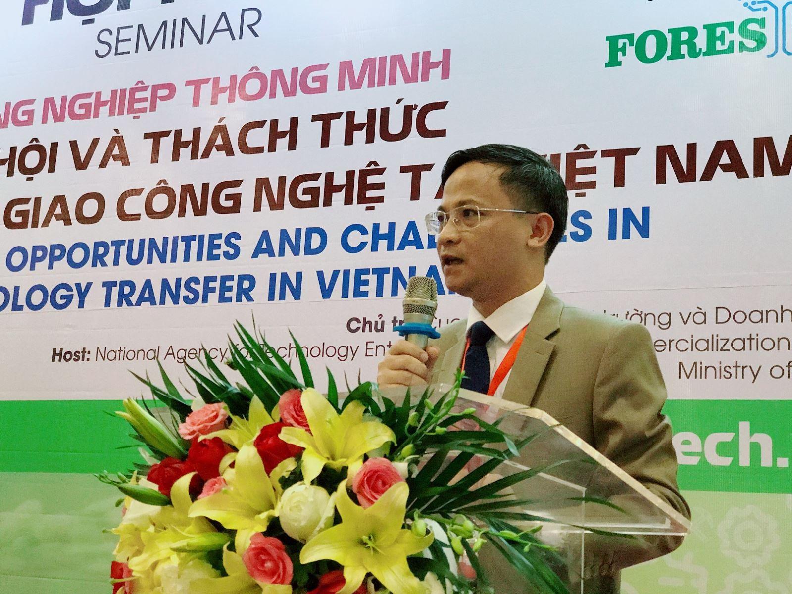 Ông Phạm Đức Nghiệm – Phó Cục trưởng Cục Phát triển thị trường và doanh nghiệp KH&CN phát biểu tại Hội thảo