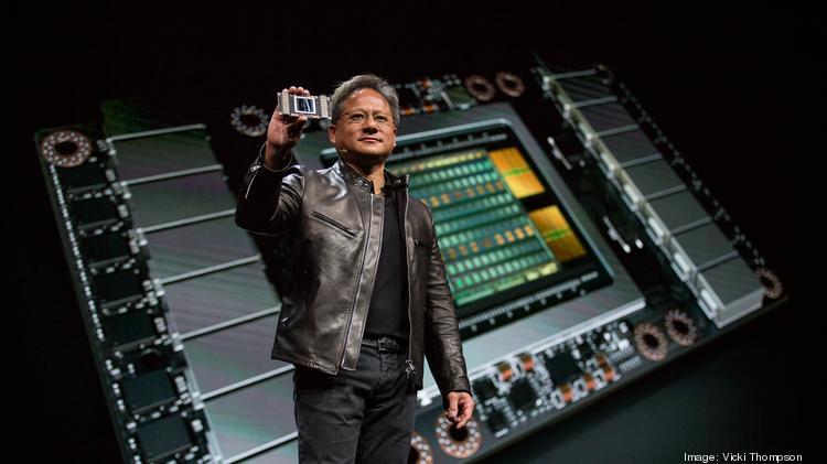 Jensen Huang (Hoàng Huân Nhân), CEO của NVIDIA trong một sự kiện ra mắt nền tảng AI cho xe tự lái. Ảnh: Autoblog.